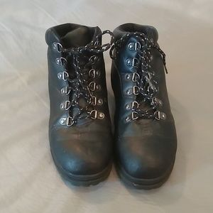 Fila lace up work boots size 8